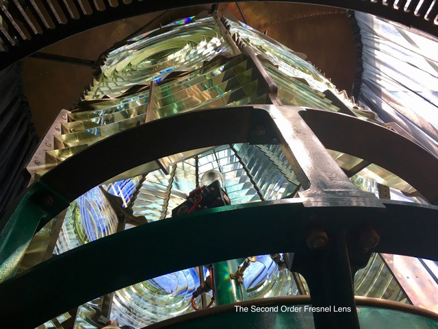 akaroa-lighthouse-fresnel-lens