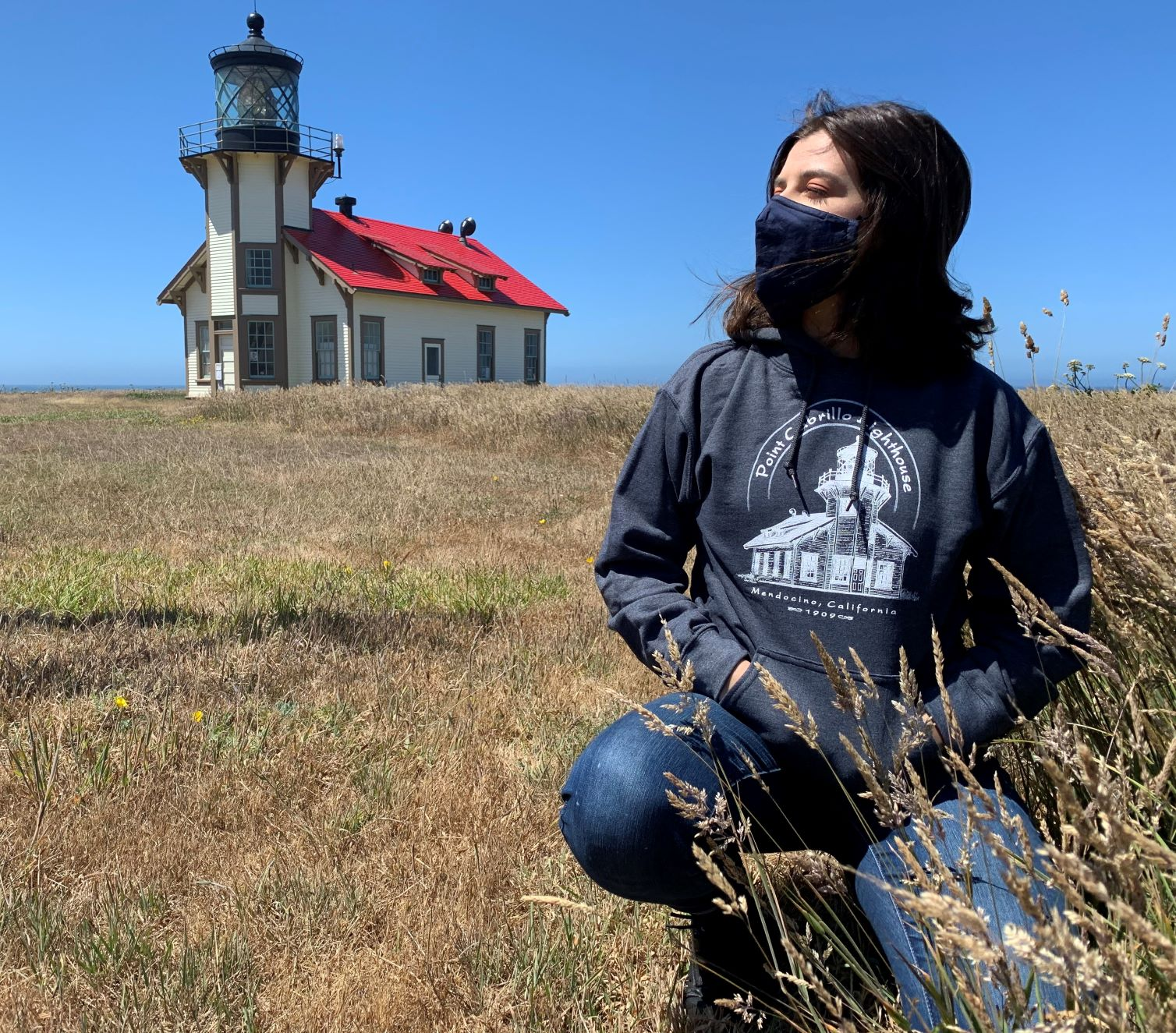 mendocino-lighthouse-greys
