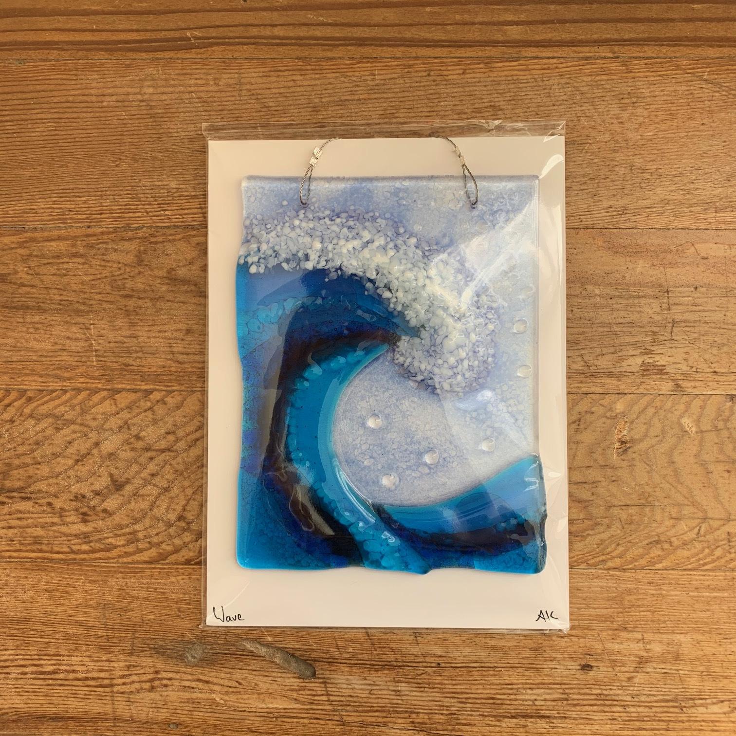 suncatcher-wave-glass-lighthouse